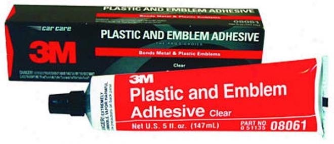 3m Clear Plastic And Emblem Adhesive (5 Oz)