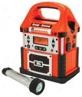 Black & Decker Storm Statioh Power Inverter With Led Flashlight