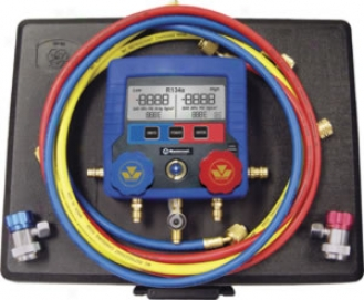 Mastercool Digital Automotive Manifold Gauge Set With 72'' Hoses And Couplers