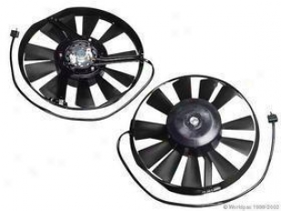 1977-1978 Mercedes Benz 230 Auxiliary Fan Assembly Bosch Mercedes Benz Auxiliary Fan Assembly W0133-1603516 77 78