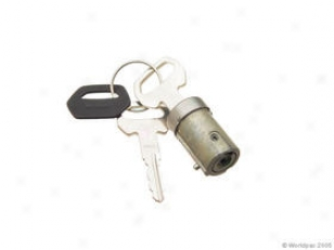 1979-1994 Saab 900 Ignition Lock Cylinder Valeo Saab Ignition Lock Cylinder W0133-1617071 79 80 81 82 83 84 85 86 87 88 89 90 91 92 93 94