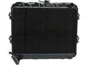 1981-1983 Toyota Pickup Radiator Replacement Toyota Radiator P687 81 82 83