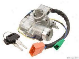 1982-1984 Subaru Dl Ignition Lock Assembly Oeq Subaru Ignition Tuft Assembly W0133-1612898 82 83 84