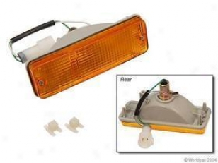1985-1987 Toyota Pickup Turn Siggnal Light Genera Toyota Turn Signal Light W0133-1627553 85 86 87