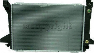 1985-1992 Ford Bronco Radiator Replacement Ford Radiator P1452 85 86 87 88 89 90 91 92