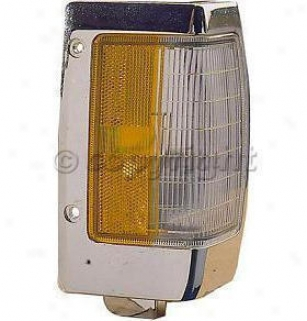 1990-199 Nissan D21 Corner Light Re-establishment Nissan Corner Light 18-1810-32 90 91 92 93 94