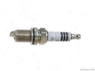 1991-1994 Nissan Pathfinder Germ Plug Bosch Nissan Spark Plug W0133-1805251 91 92 93 94