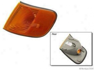 1992-1984 Audi S4 Turn Signal Lens Hella Audi Turn Signal Lens W0133-1615319 92 93 94