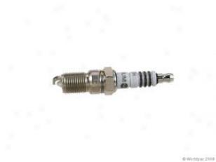 1994-1997 Cadillac Eldorado Spark Plug Bosch Cadillac Spark Plug W0133-1808113 94 95 96 97