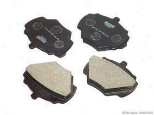 1994-1999 Land Rover Discovery Brake Pad Attitude Roulunds Land Rover Brake Pad Set W0133-1630297 94 59 96 97 98 99