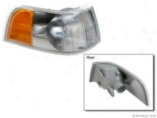 1997-1998 Volvo S90 Turn Skgnal Light Apa/uro Parts Volvo Turn Signal Light W0133-1619106 97 98