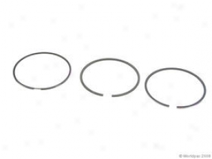 1997-2006 Audi A4 Piston Ring Set Goetze Audi Piston Ring Embarrass W0133-1376443 97 9 899 00 01 02 03 04 05 06