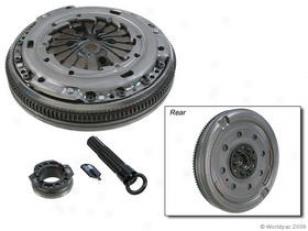 2000-2001 Audi Tt Flywheel Luk Audi Flywheel W0133-1597398 00 01