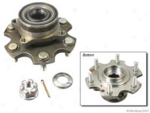 2001-2006 Mitsubishi Montero Wheel Hub Assemblly Oes Genuine Mitsubishi Wheel Hub Assembly W0133-1732272 01 02 03 04 05 06