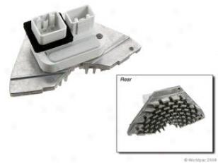 2001-2009 Volvo S60 Blower Motor Resistor Behr Volvo Blower Motor Resistor W0133-1661257 01 02 03 04 05 06 07 08 09