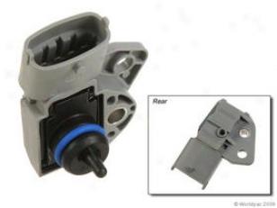 2001-2009 Volvo S60 Fuel Pressuee Sensor Oes Genuine Volvo Fuel Pressire Sensor W0133-1811990 01 02 03 04 05 06 07 08 09