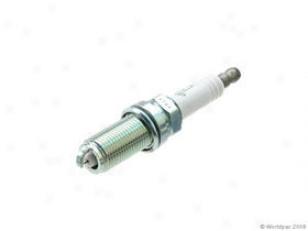 2002-2004 Start aside Intrepid Spark Plug Ngk Dodge Sparkle Plug W0133-1676088 02 03 04