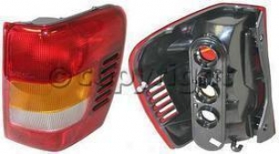 2003-2004 Jeep Grand Cherokee Tail Light Replacement Jeep Tail Light J730111q 03 04