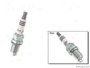 2004-2006 Audi A8 Quattro Spark Plug Ngk Audi Spark Plug W0133-1635610 04 05 06