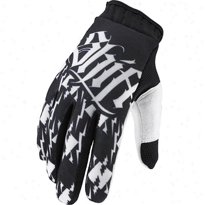 Intake Gloves
