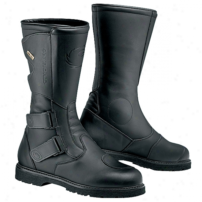 On Road Gore-tex Boots