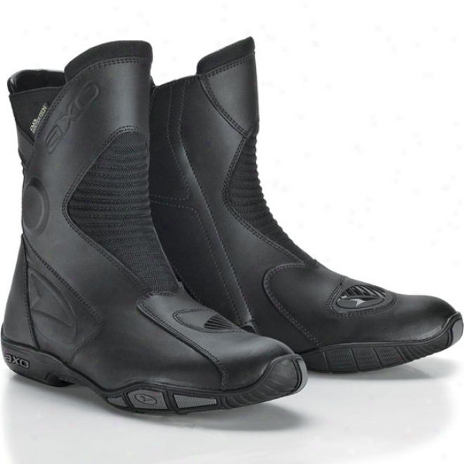 Q2 Waterproof Touring Boots