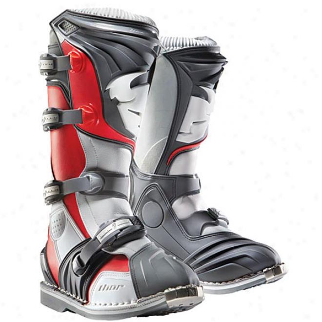 Quadrant Boots