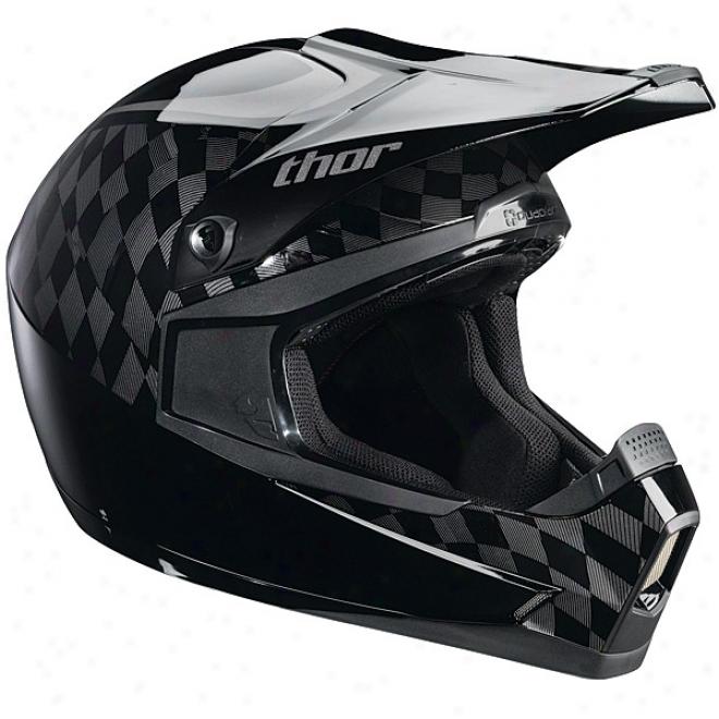 Quadrant Vision Helmet
